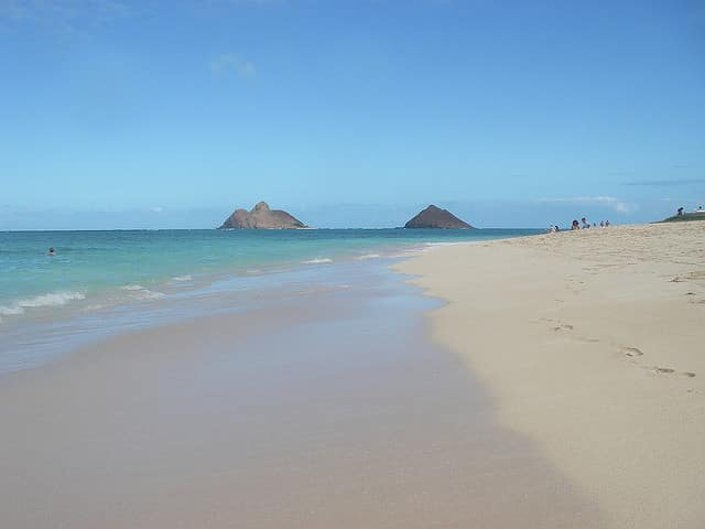 A view of the Mokulua Islands from Lanikai Beach