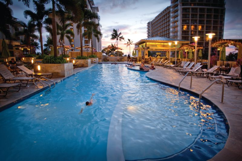 Embassy Suites-Waikiki Beach Walk pool