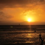 waikiki-sunset-daddy-and-child_thumb.jpg