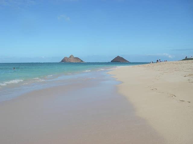 A view of the Mokulua Islands from Lanikai Beach