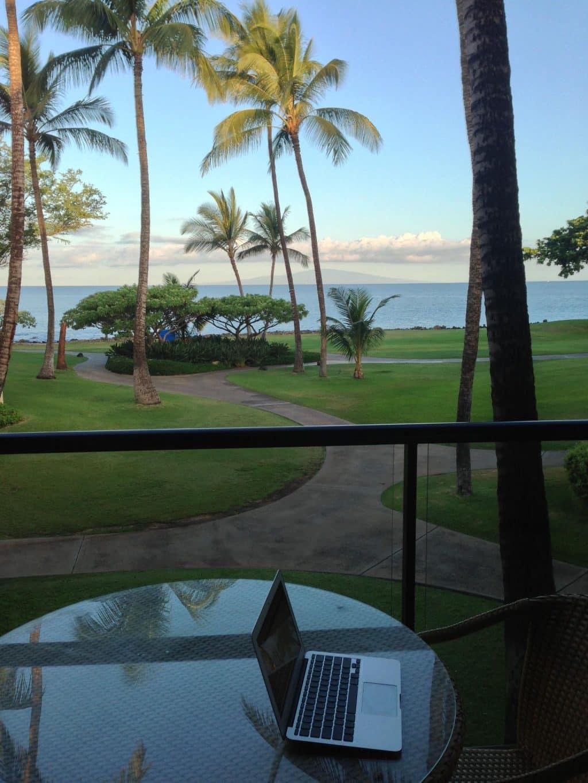 aloha from maui seemaui go visit hawaii. Black Bedroom Furniture Sets. Home Design Ideas