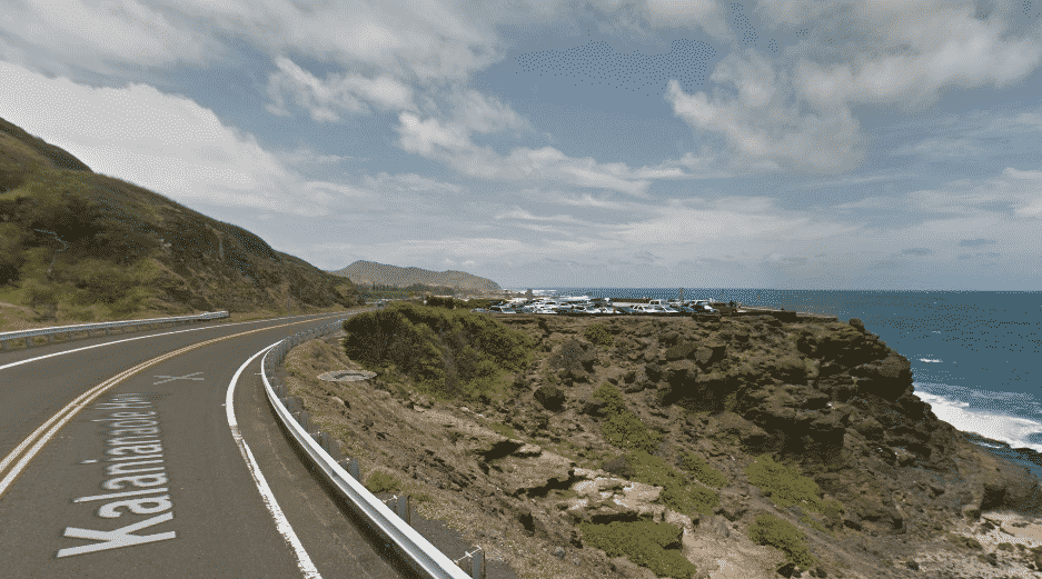 Approaching Halona Blowhole Lookout.jpg