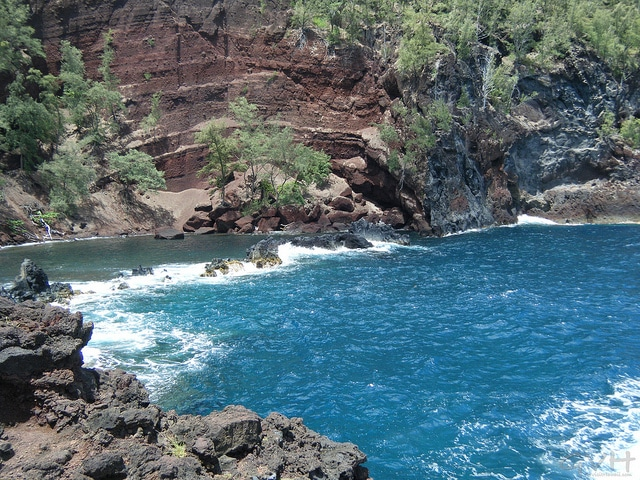Seeing Maui's Red Sand Beach in Hana (or easier alternatives